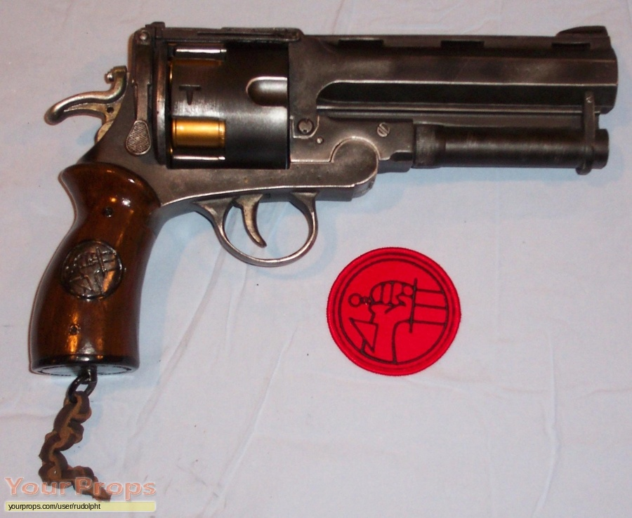 Hellboy Sideshow Collectibles movie prop weapon