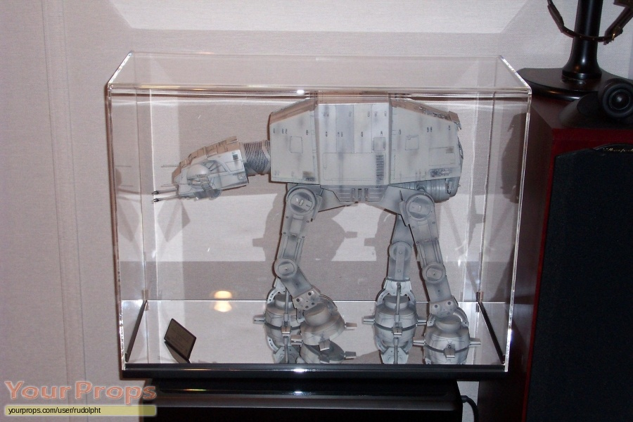 Star Wars  The Empire Strikes Back Master Replicas model   miniature