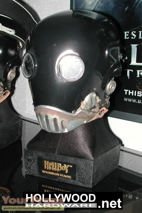 Hellboy Sideshow Collectibles movie prop