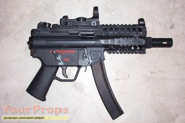 Doom replica movie prop weapon