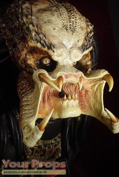 Predator Sideshow Collectibles movie prop