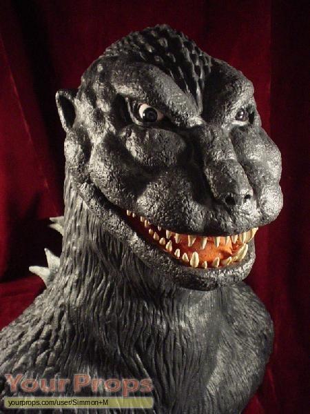 Godzilla replica model   miniature