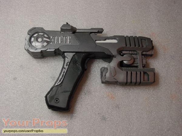 Earth  Final Conflict original movie prop weapon