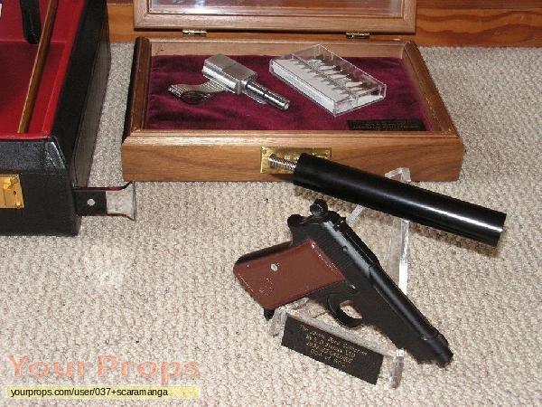 James Bond  Dr  No replica movie prop weapon