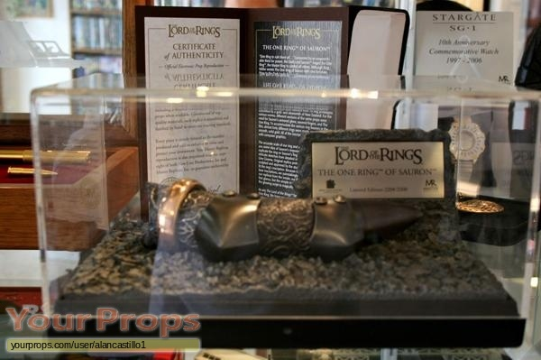 Lord of The Rings  The Fellowship of the Ring Master Replicas movie prop