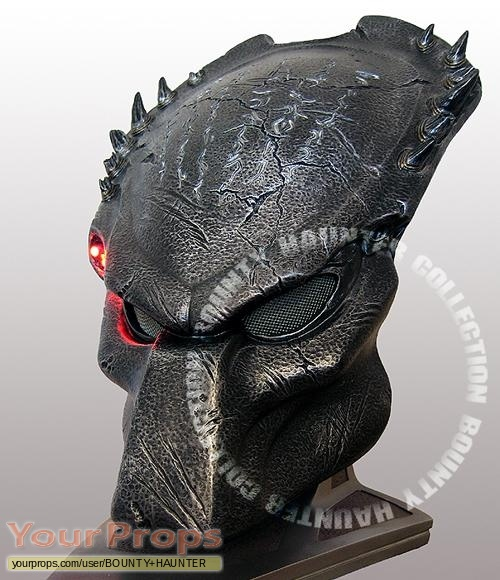 Aliens vs  Predator - Requiem Sideshow Collectibles movie prop