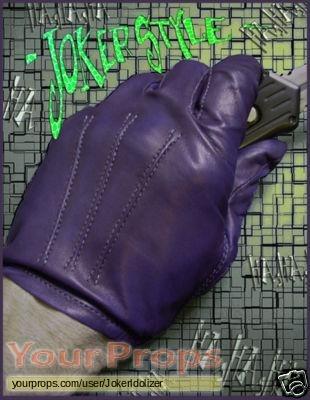 The Dark Knight replica movie costume ... & The Dark Knight Jokeru0027s Gloves replica movie costume