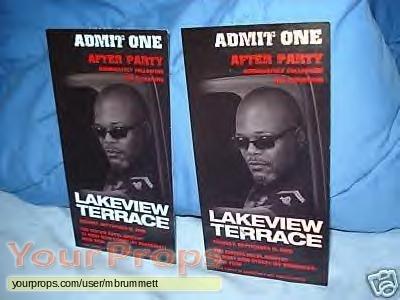 Lakeview Terrace original production material