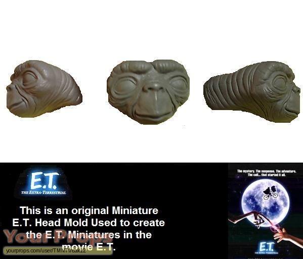 E T  the Extra-Terrestrial original model   miniature