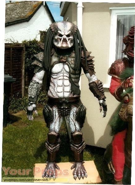 Predator replica movie costume