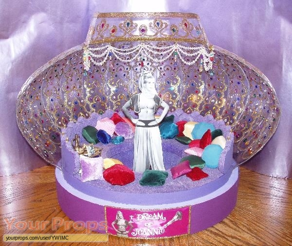 I Dream Of Jeannie Scale Model Jeannie Bottle Interior ...