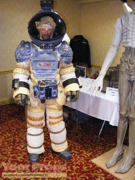 Alien replica movie costume
