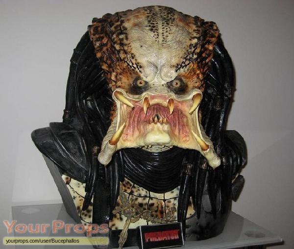 Predator Sideshow Collectibles movie prop