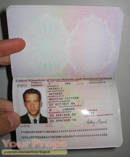 Original Koval Passport Duplicity Movie Prop Fake Uk Ray