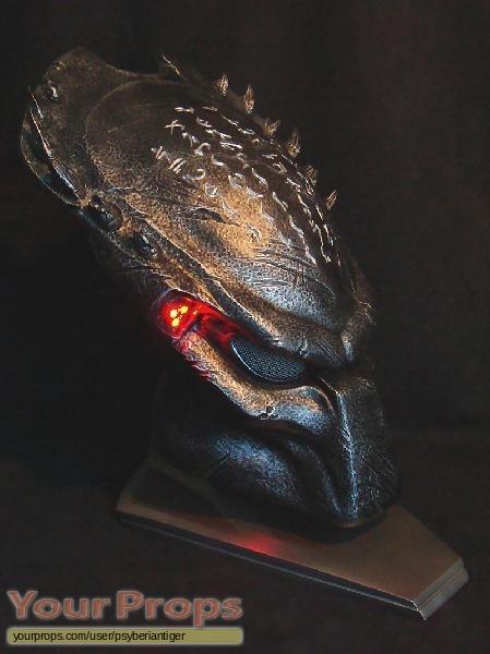 Aliens vs  Predator - Requiem  Life-Size Wolf Predator Bio MaskWolf Predator Mask Sideshow