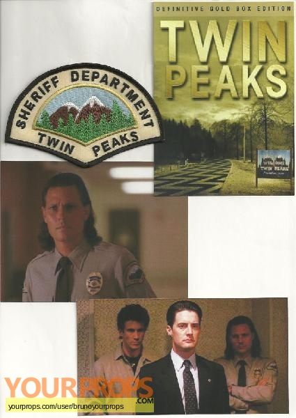 Twin Peaks replica movie prop