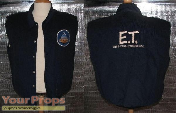 E T  the Extra-Terrestrial original film-crew items