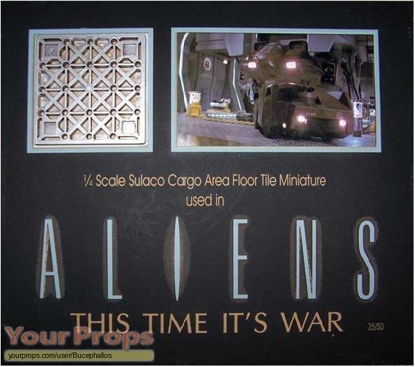 Aliens original model   miniature