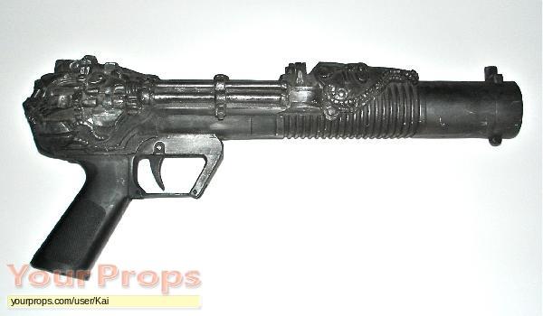 Highlander II  The Quickening original movie prop weapon