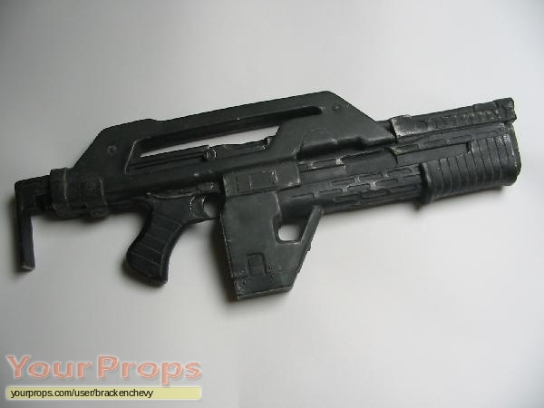 Aliens replica movie prop weapon