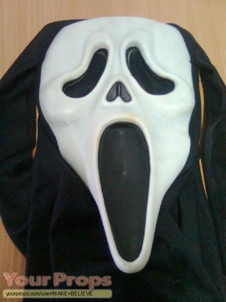 Scream replica movie costume