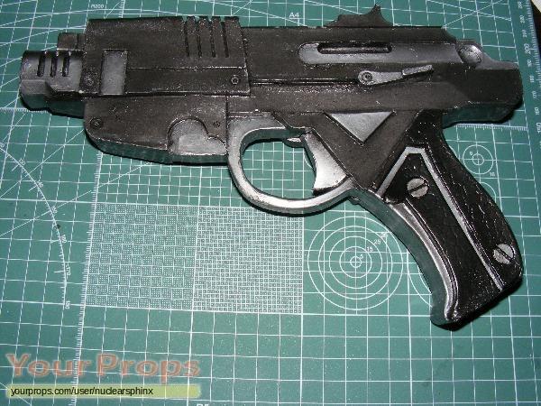 Alien  Resurrection replica movie prop weapon