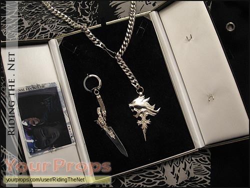 Final Fantasy VIII (video game) replica movie prop weapon