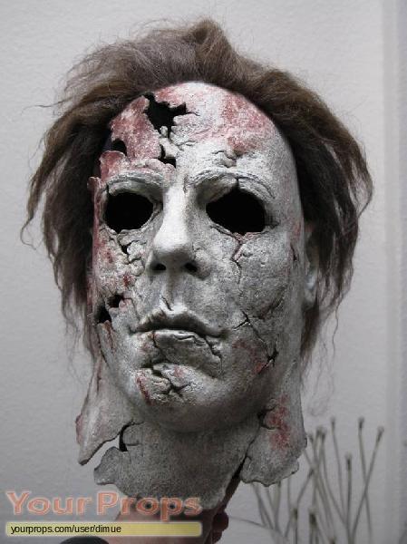 H2  Halloween 2 replica movie prop