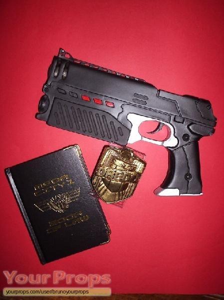Judge Dredd replica movie prop weapon