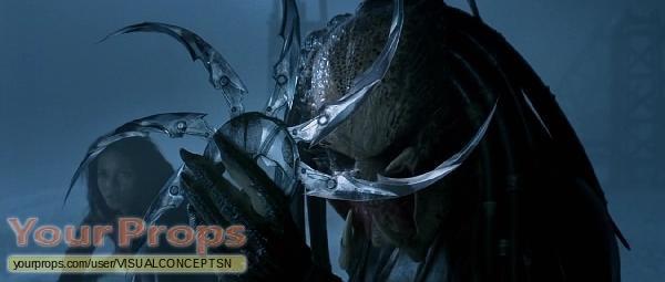 Alien vs  Predator original movie prop weapon