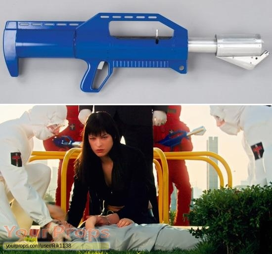 Ultraviolet original movie prop weapon