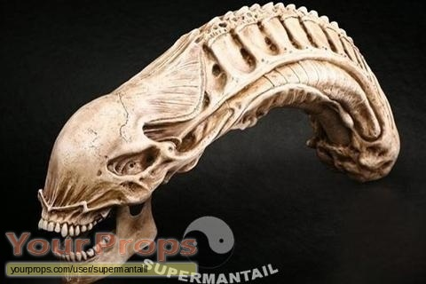 Alien vs  Predator replica production material