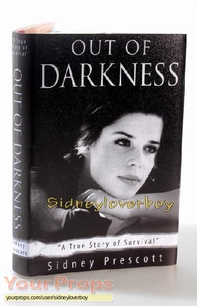 """Scream 4 / Scre4m """"Out Of Darkness"""" Book original movie prop"""