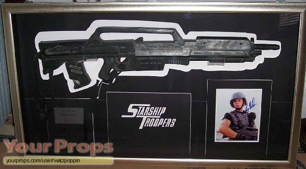 Starship Troopers original movie prop weapon