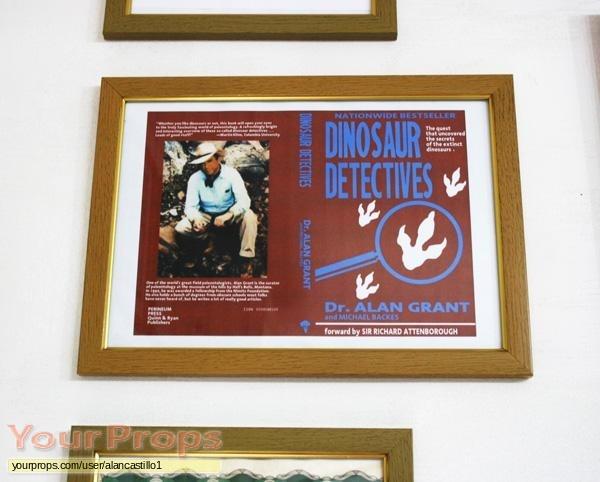 Jurassic-Park-Dr-Alan-Grant-s-Book-Cover-1.jpg