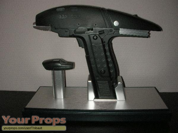 Star Trek V  The Final Frontier Master Replicas movie prop weapon