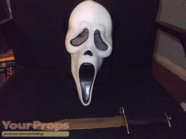 Scream 2 replica movie prop