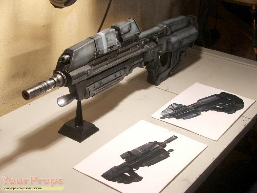 Halo (video game) replica movie prop