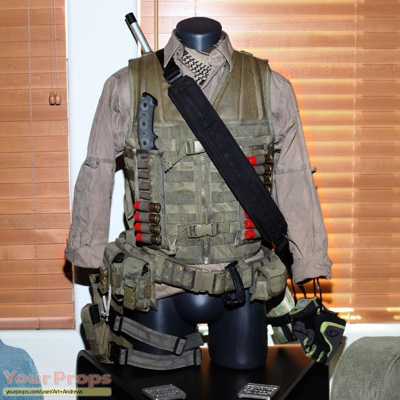 Predators replica movie costume