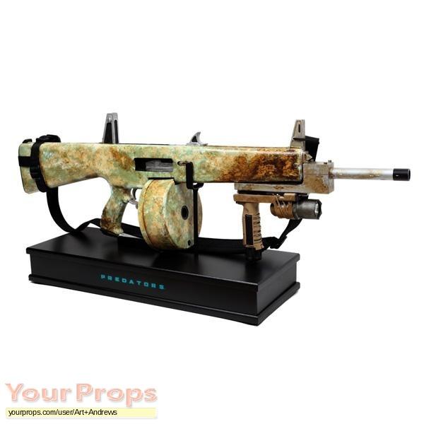 Predators replica movie prop weapon