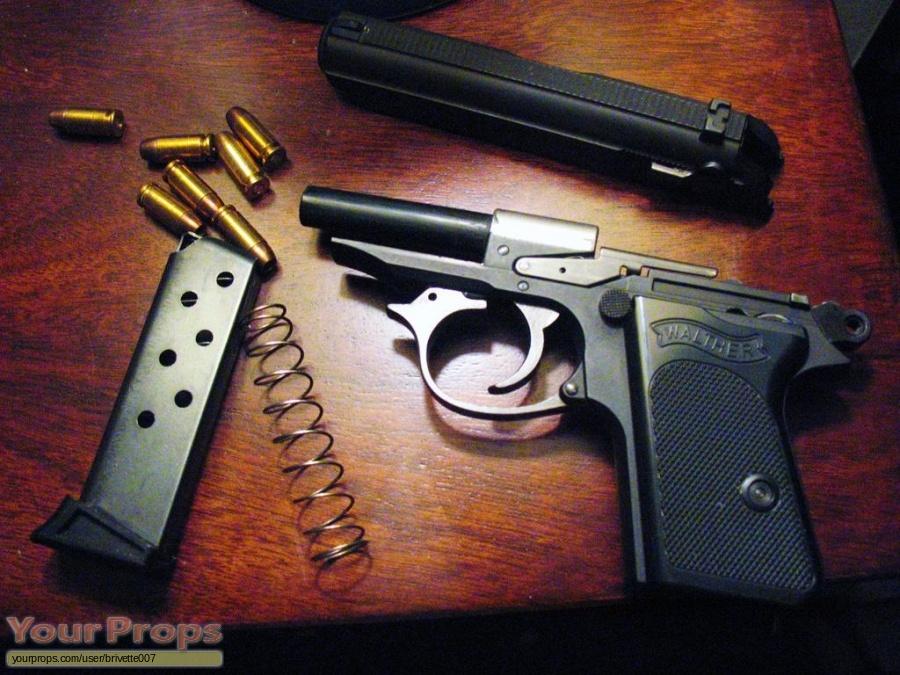 James Bond  Goldeneye replica movie prop weapon