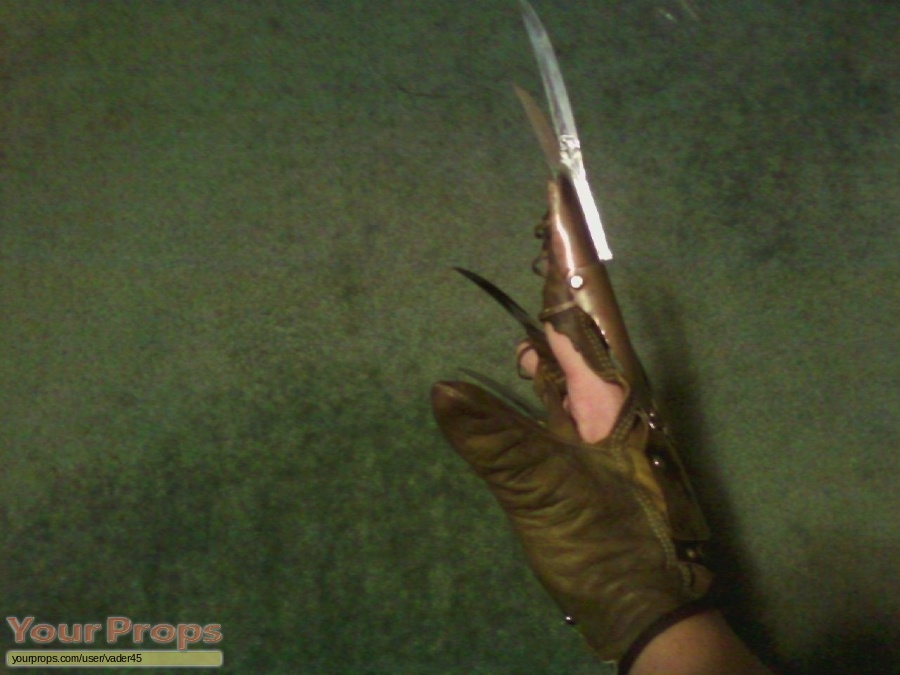 A Nightmare On Elm Street 2  Freddys Revenge replica movie prop weapon