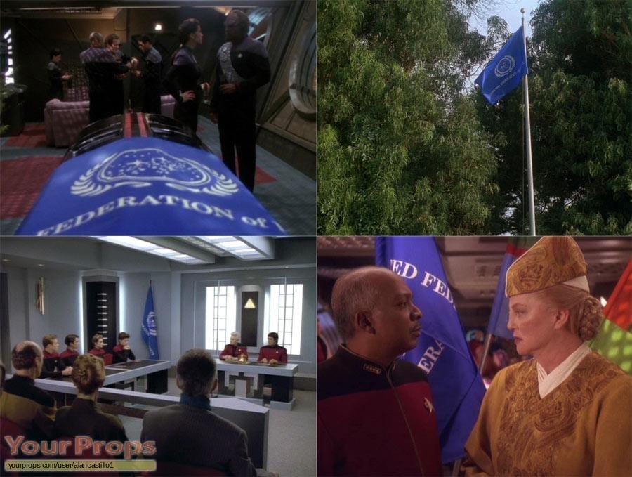 Star Trek  Deep Space Nine replica movie prop