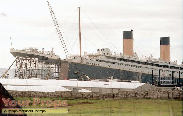 Titanic original set dressing   pieces