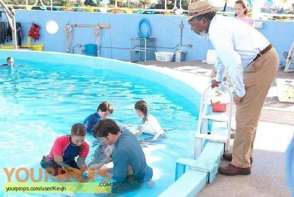 Dolphin Tale original movie costume