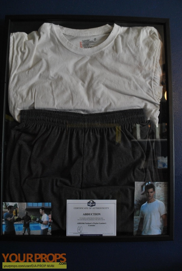 Abduction original movie costume
