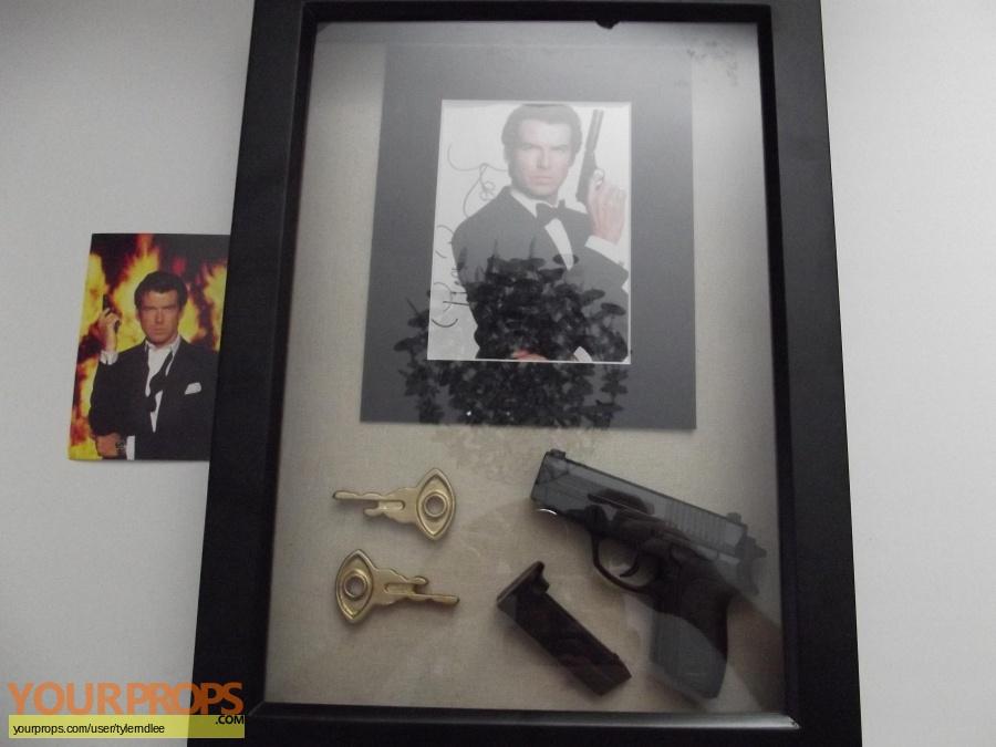 James Bond  Goldeneye replica movie prop