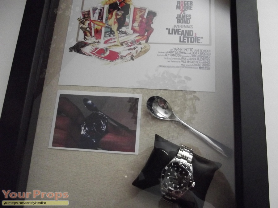 James Bond  Live and let Die replica movie prop