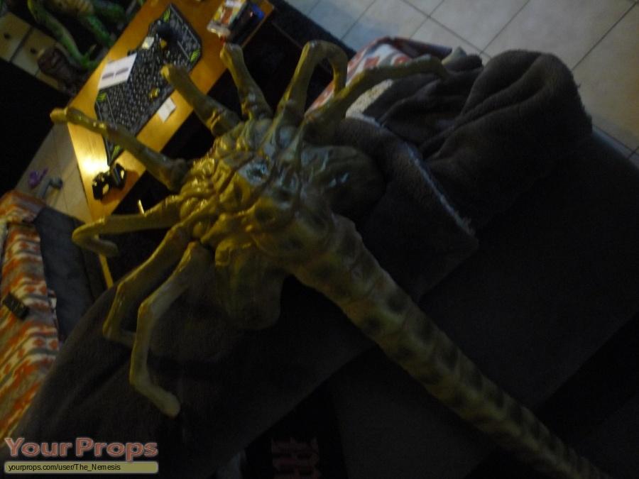 Alien vs  Predator replica movie prop