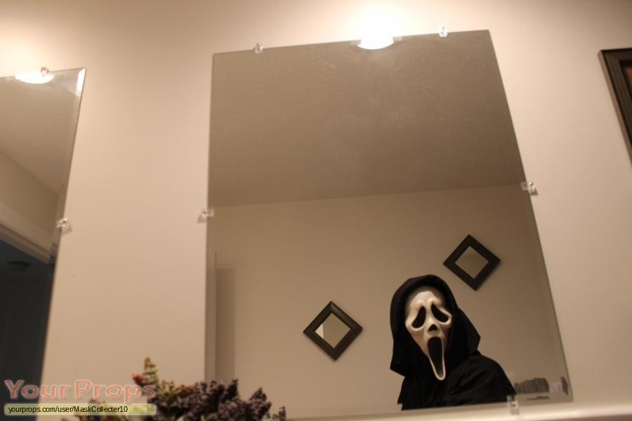 Scream 3 replica movie costume